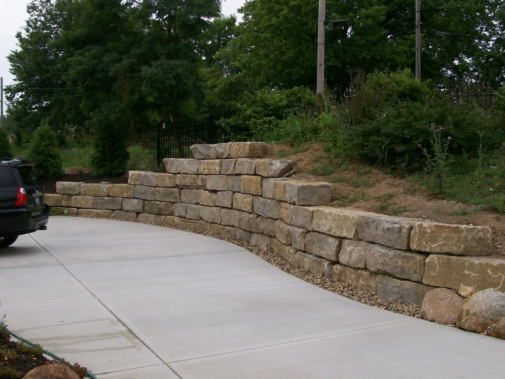 Natural Limestone Walls : Rock walls